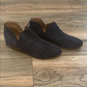 New Kenneth Cole Reaction Navy Booties